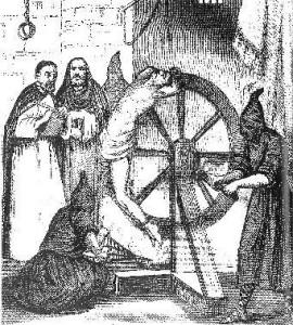 La Ruota: Era simile alla crocifissione. Alle presunte streghe venivano spezzati gli arti e il corpo veniva sistemato tra i raggi della ruota che veniva poi fissata su un palo. L'agonia era lunghissima e poteva anche durare dei giorni.