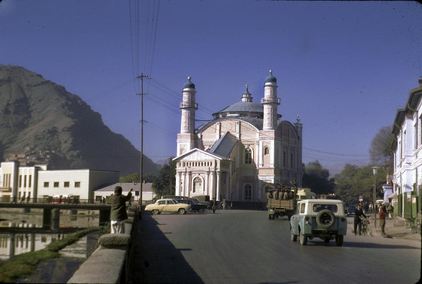 Masjid Shah-e-do Shamsheera in Kabul.